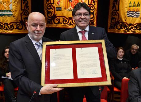 Pedro Molina junto a Rogelio Mena.