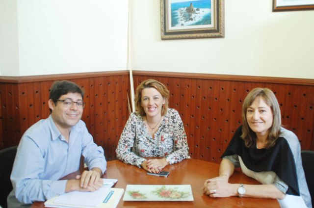 Alexis Pineda, Sonia Ferrer y Esperanza Felices.