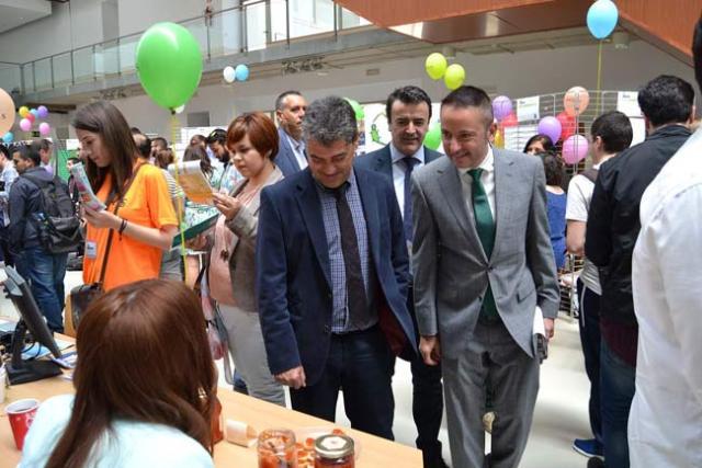 El rector ha inaugurado la Feria de las Ideas.