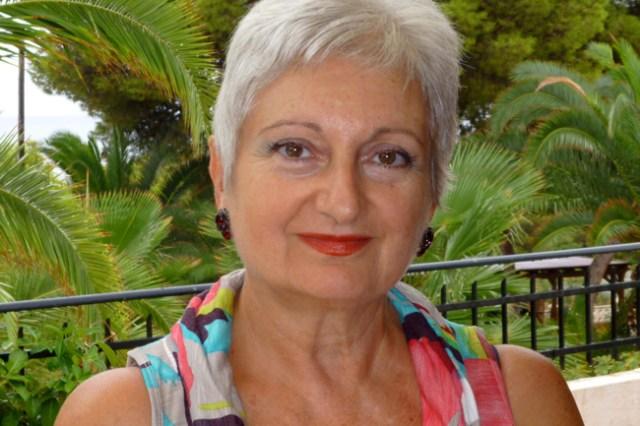La autora Remedios Martínez Anaya firmará libros en el acto.