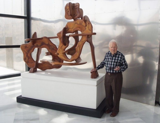 Eduardo Cruz inaugura su nueva exposición.