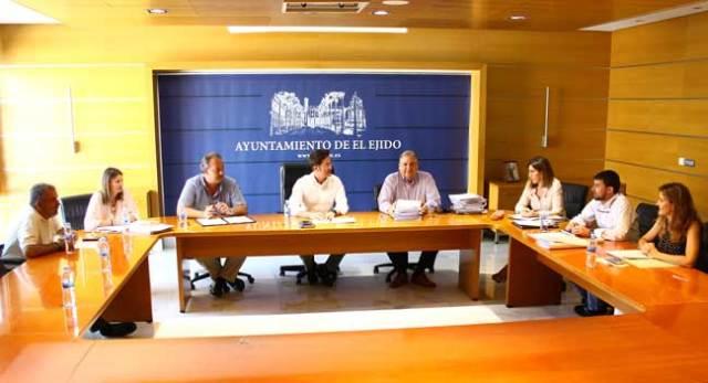Celebración de la Junta de Gobierno en el Ayuntamiento de El Ejido.