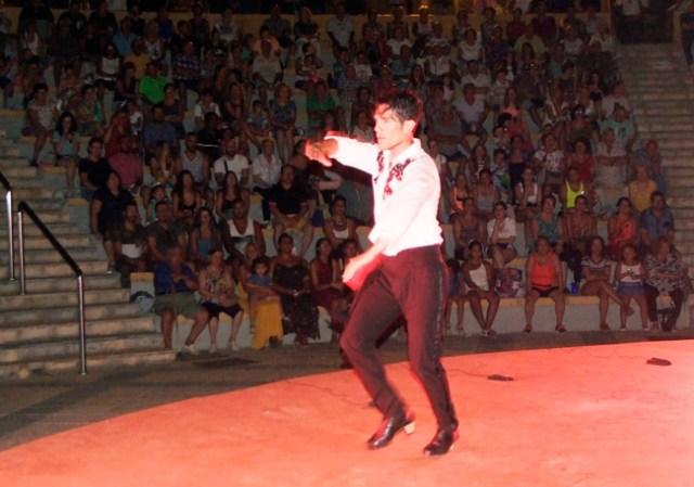 Agustín Barajas, dándolo todo en el Anfiteatro de Roquetas.