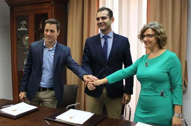 Convenio de la Asociación de Jóvenes Empresarios, el Ayuntamiento de Almería y Cajamar.