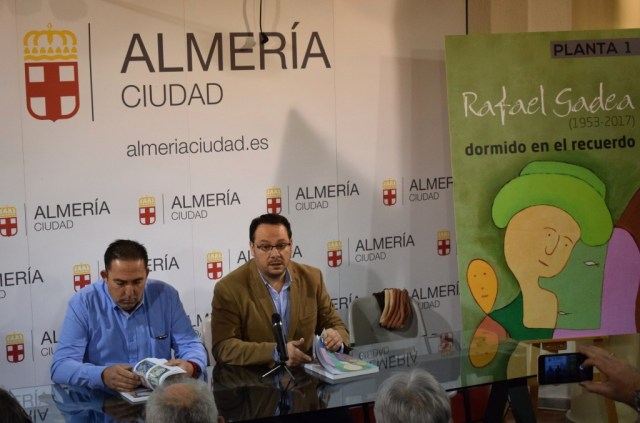 Cristóbal Gadea (izqda), hermano del artista, y Juan Manuel Martín Robles (dcha), en la presentación del libro 'Rafael Gadea (1953-2017)'