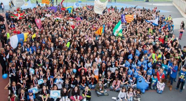 Los jóvenes participantes en la final nacional de la FLL.