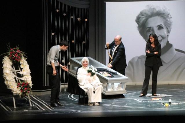 Concha Velasco y Antonio Resines protagonizaron El Funeral.