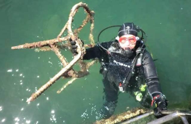 limpieza-fondos-marinos-centro-actividades-nauticas-almeria