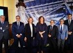 Una nueva línea marítima de contenedores une los puertos de Almería y Valencia