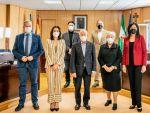 El alcalde recibe a representantes de la Asociación Española contra el Cáncer