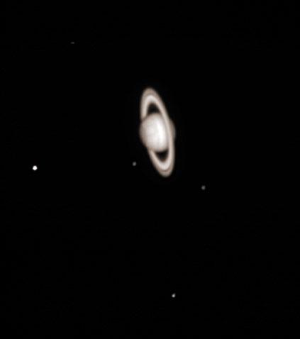 Saturn fotograferet af Jørgen Schiøtt, Martin Sparre og Michael Carlsson.