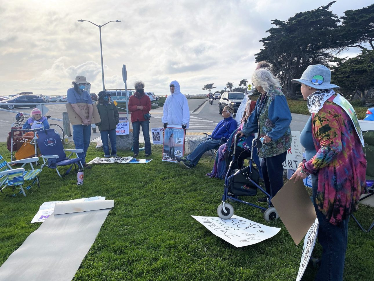 #Faiths4ClimateJustice in Action at Climate, Land & Water Meditation in Santa Cruz, California, 17 October 2021. Photo by Kate Sawtell.