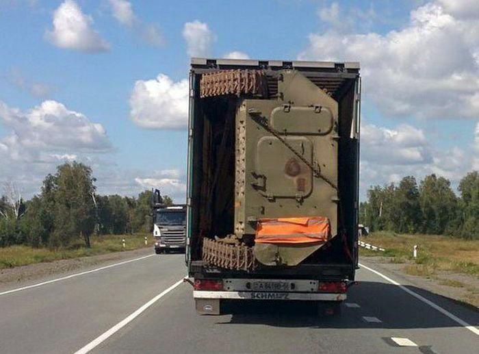 Танк в кузове. | Фото: Веселун.рф.