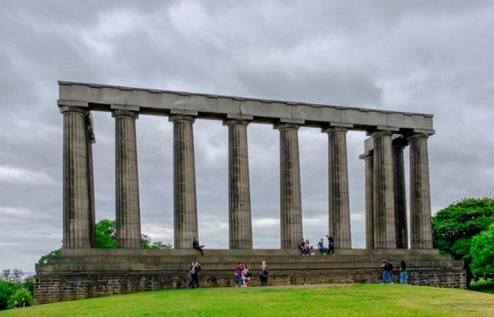 Недострой, ставший достопримечательностью: «Момумент Шотландии».