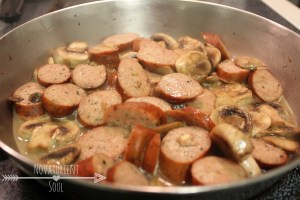 Quick & Easy Pestos Pasta with Chicken Sausage - NovaturientSoul.com