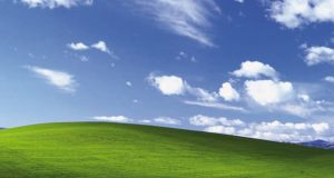 Windows XP wallpaper 1040x690