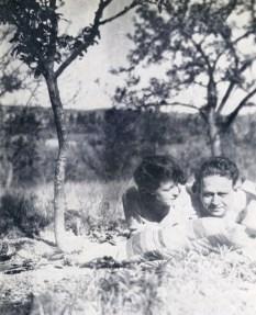 Tucholsky und Lisa Matthias im schwedischen Läggesta Foto: Sonja Thomassen, CC