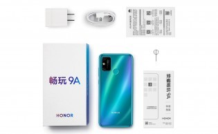 Honor Play 9A retail package