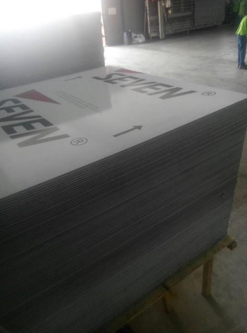 Proses Pengerjaan dengan Alimuminium Composite Panel Seven