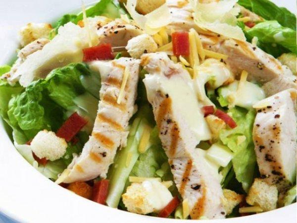 550-din-umesto-1-100-din-za-dve-obrok-cezar-salate-sa-piletinom-u-restoranu-da-pino-kod-autokomande-odlican-obrok-u-hladnim-danima-2825-2