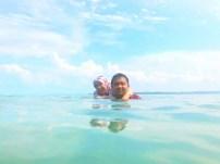 Berenang di Pulau Mubut Darat