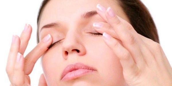 Eyelid massage