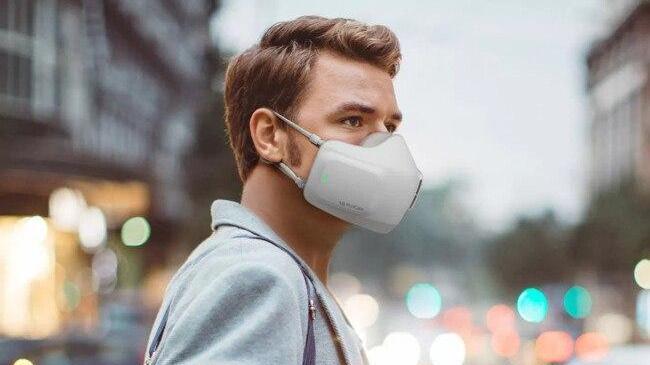 LG випустила захисну маску на батарейках