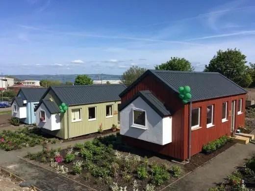 Невероятно! Бизнесмен построи цяло село за бездомни (снимки)