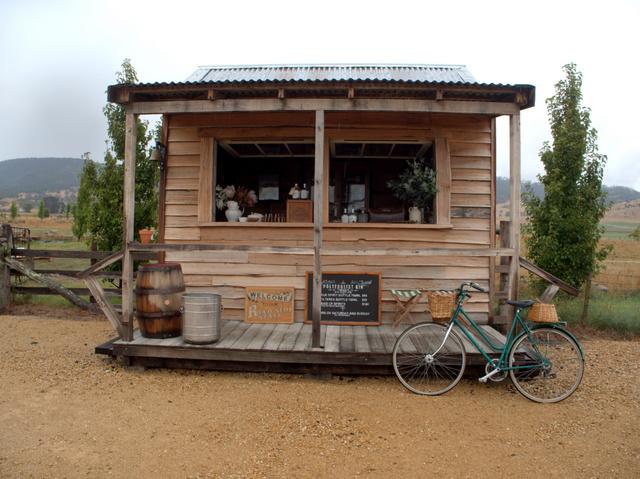 Roadside gin stall at Shene Estate - Open on Sundays