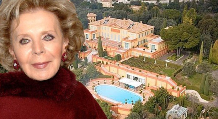 Quem é brasileira doou muito dinheiro para Notredame ?