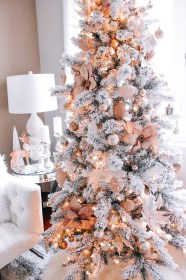 christmas gold rose pink decor tree blush decorations trees xmas flocked pretty ornaments blondieinthecity veronneau moscow flowers holidays blonde noel