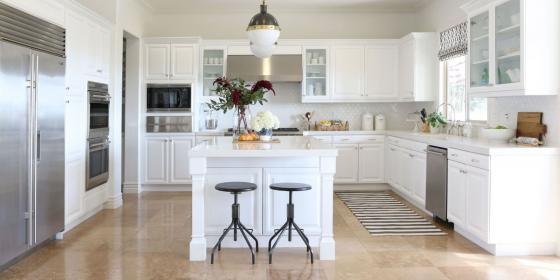 Before & After: How White Kitchen Cabinets Can Update A