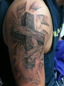 tattoos tattoo cross upper shoulder arm religious jesus sleeve designs male christian wooden guys hand bicep cool discover meaning celtic