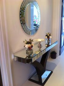 Our best selling Quartz Console and Mirror Set look