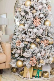 christmas room living pink decorations ornaments tree decor gold cloth sugar baby