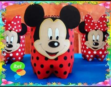 dulceros de Minnie y Mickey mouse reutilizando botellas de