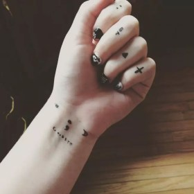 tattoos tattoo cute hand tiny designs meaning cool meanings simple finger wrist body delicate placement