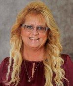 Amy Myers Headshot From Novosel Real Estate