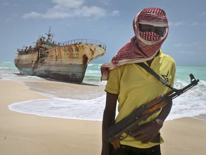 Сомалиец с оружием / ©AP Photo/Farah Abdi Warsameh