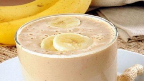 Попробуйте этот вкусный банановый коктейль, который может помочь вам сжечь жир