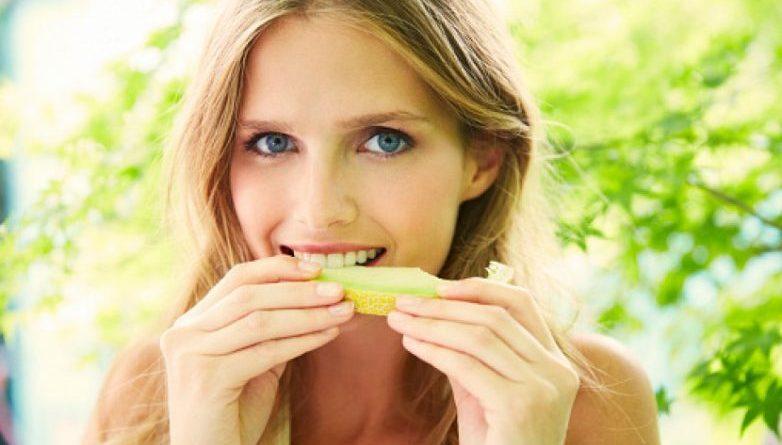 Правила питания, которые помогут сохранить молодость