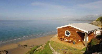 Маленький уютный домик у моря - мечта многих людей