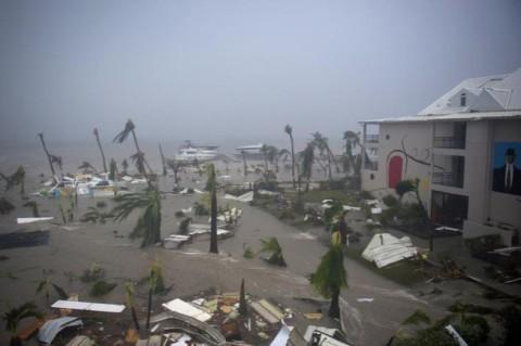 "Ураган ""Ирма"" добрался до штата Флорида"