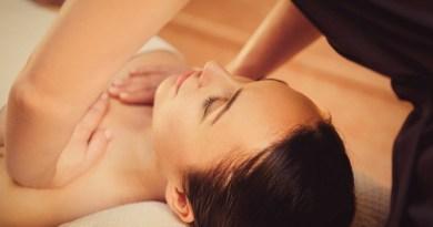 Как увеличить грудь без хирургического вмешательства: 3 эффективных способа