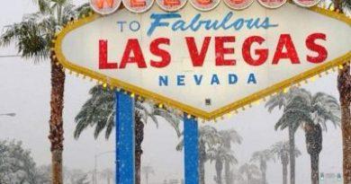 Лас-Вегас впервые с 1937 года конкретно завалило снегом. Там всё ещё весело, но теперь немного иначе