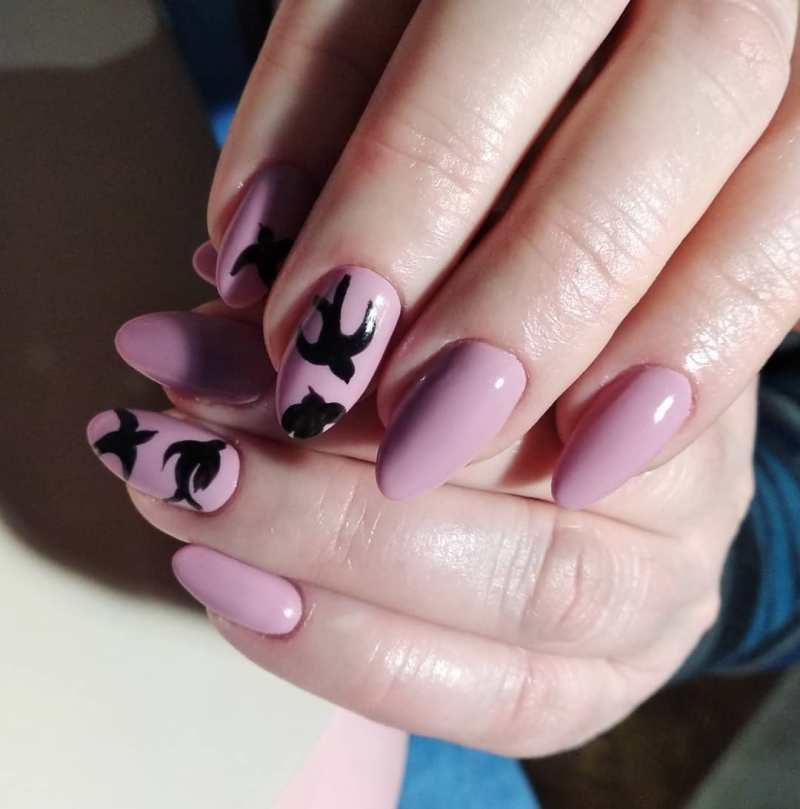 черно-розовый маникюр 2019 фото_8
