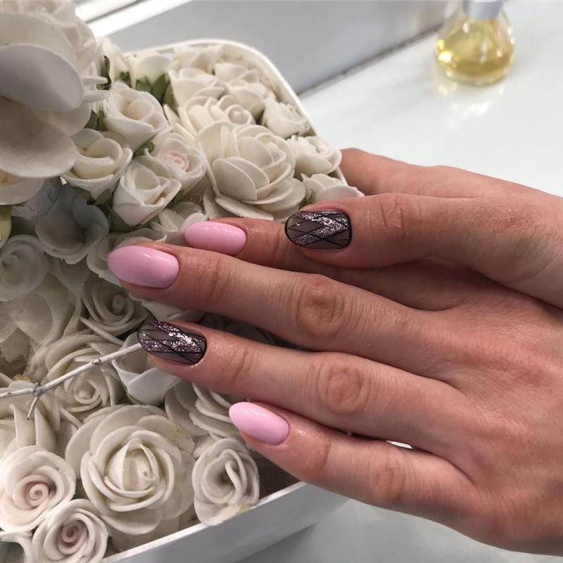 черно-розовый маникюр 2019 фото_1