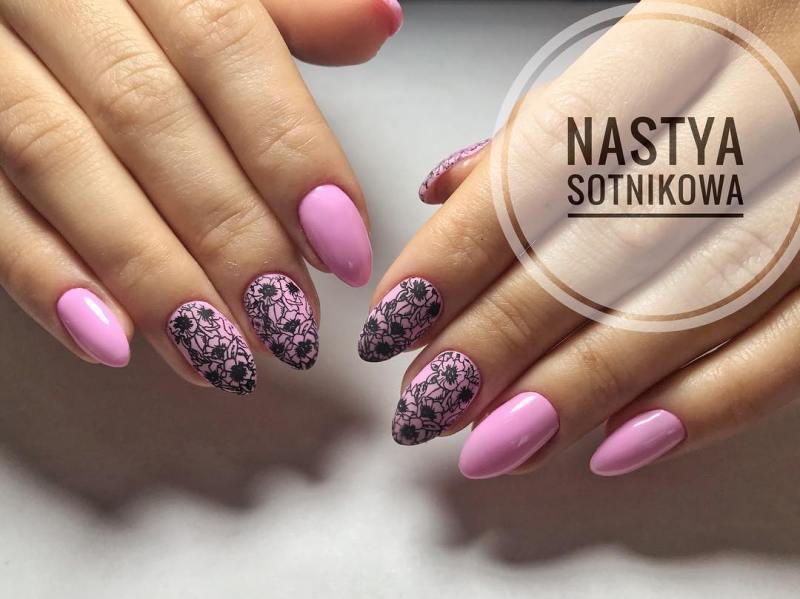 черно-розовый маникюр 2019 фото_11