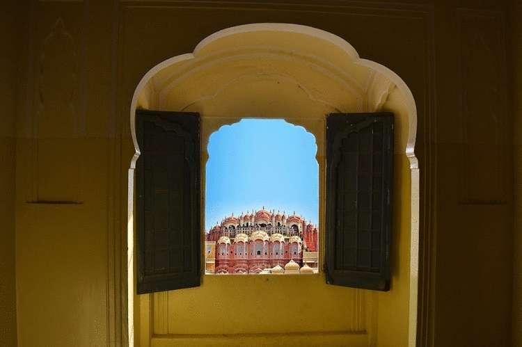 уникальный «дворец ветров», в котором нет ни одной лестницы