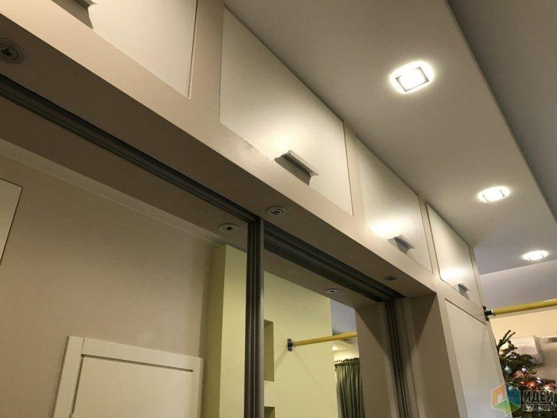 Четыре антресоли в коридоре